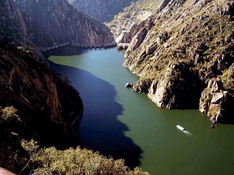 Figura 1. Cañón del río Duero.