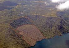 Figura 2. Deslizamiento complejo en la ladera de la caldera de la Laguna de Apoyo.