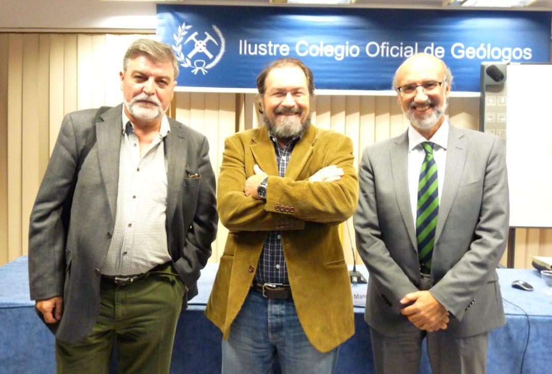 De izquierda a derecha. Jesús Martínez Frías, Manuel Regueiro y Primitivo Fajardo.