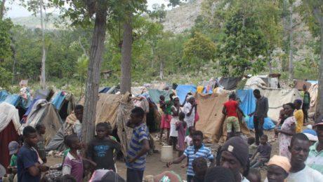 Campamento de desplazados en Fond Jannette